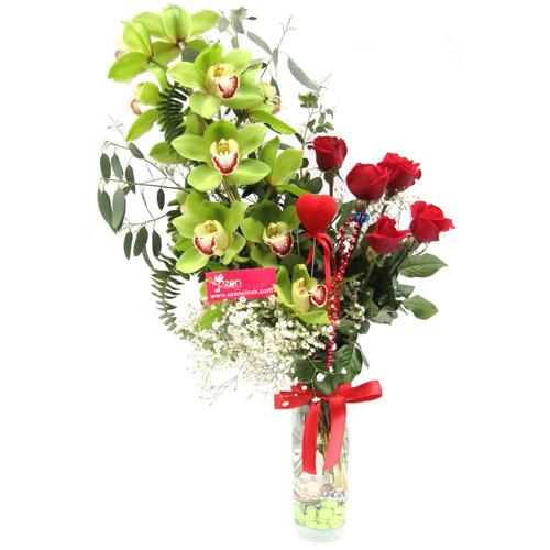Yeşil Orkide ve Güller